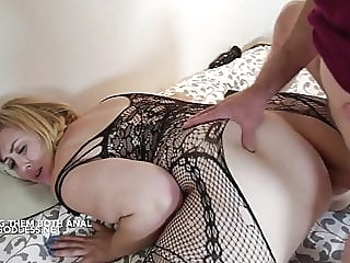 Lucky Art gives two hot BBWs Anal sex anal blonde bbw