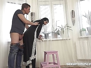 Hot Muslim woman doing extra cleaning amateur blowjob hardcore
