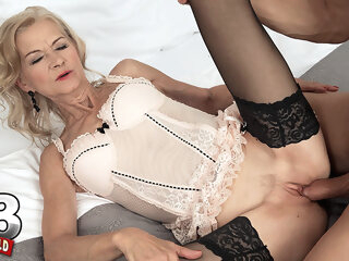 Beata's Pussy Is Loud When It's Getting Fucked - Beata And George Lee - 60PlusMilfs blonde granny high heels
