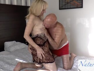 10. A Granny In The Morning.. What Ass amateur big ass blonde