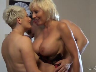 Mom Aunt And Lucky Boy blonde fetish hd