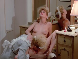 Trashy Lady anal blonde double penetration