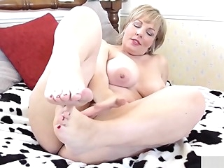 Babe with big boobs fingers her pussy masturbation big tits mature