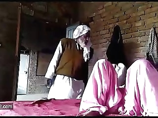 Pakistan old father in low fucking kissing