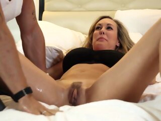 Brandi Love - Squirt big tits close-up female orgasm